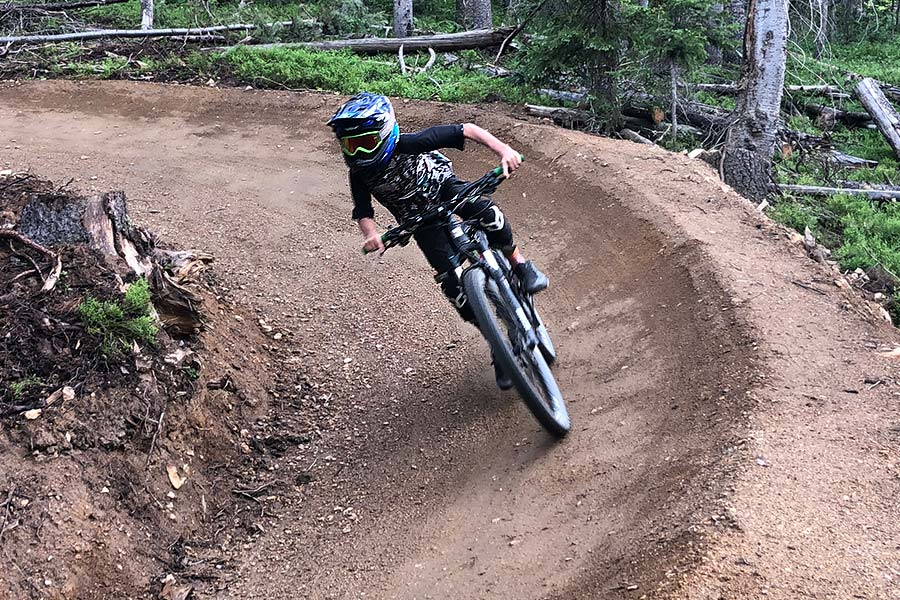 Cornering with the Demon United knee pads for kids
