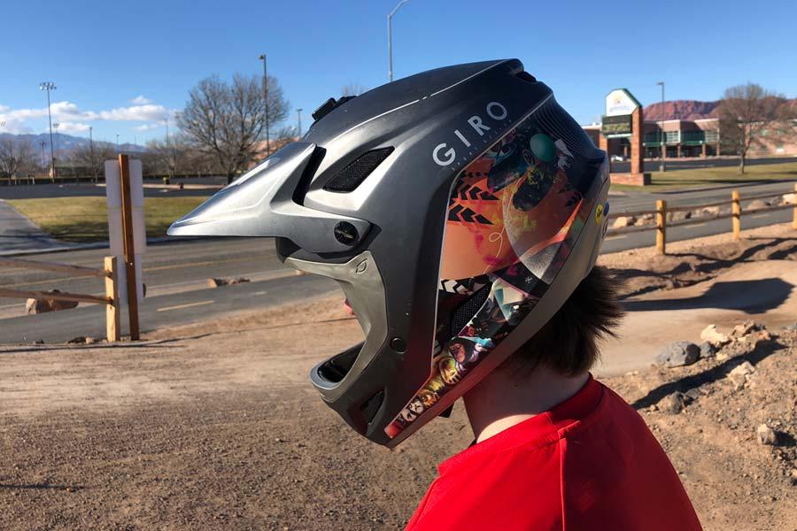 Featured view of the Giro Disciple mountain bike helmet