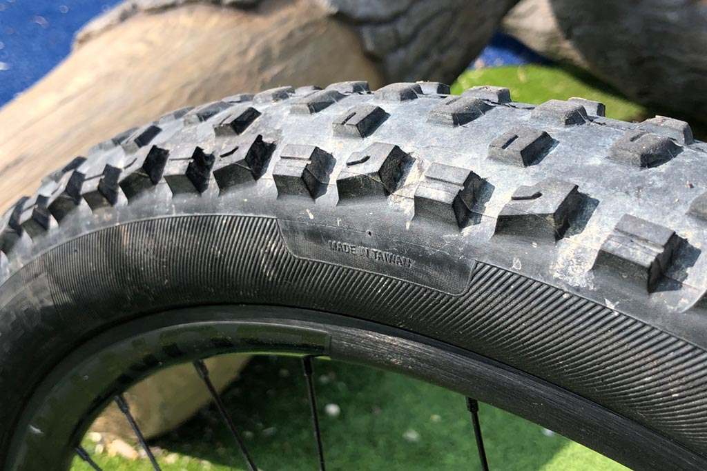 Tire detail - Trek Fuel EX 8 review