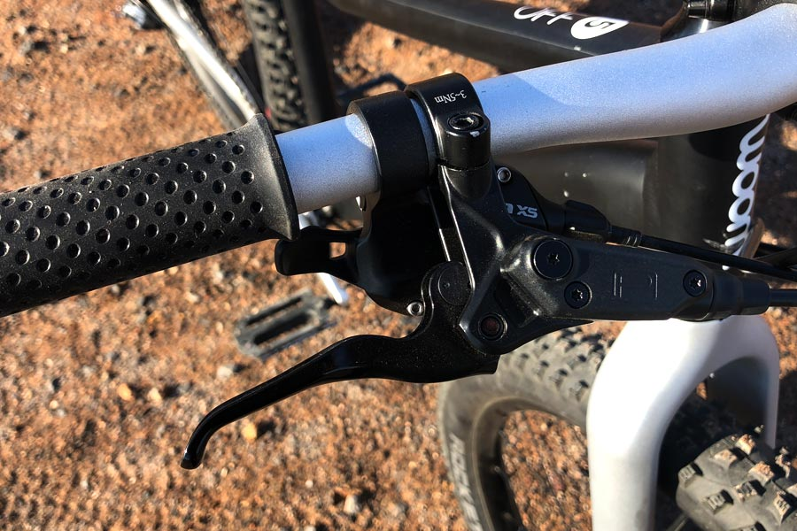 Brake lever detail - Woom Off 5 Review