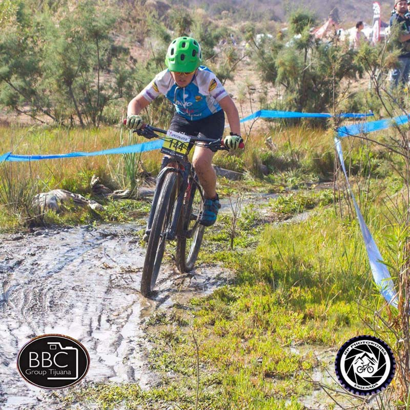 Kids mountain bike race