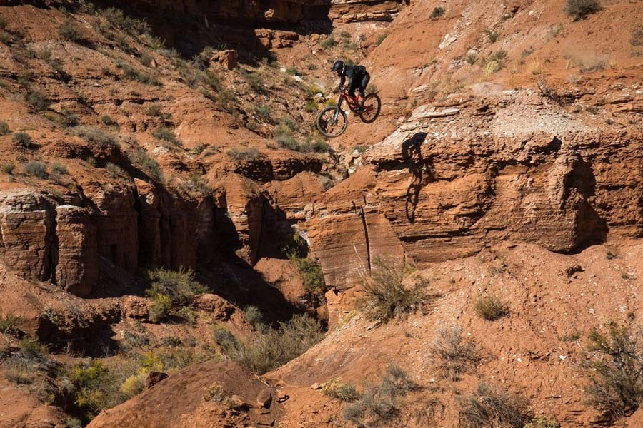 Dillon Flinders freeriding in Virgin, Utah