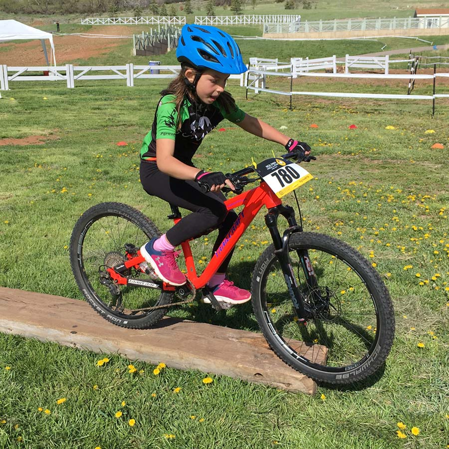 Get comfortable with balance skills on this great kids' mountain bike