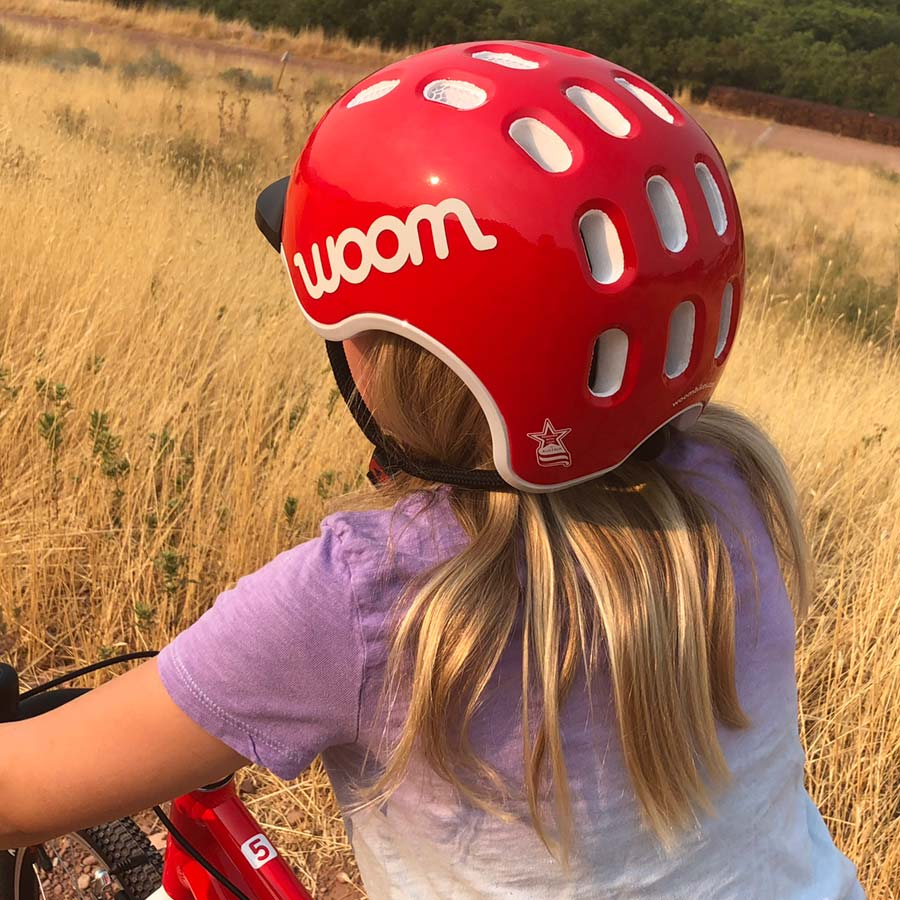 Woom helmet review. Three-quarter view.