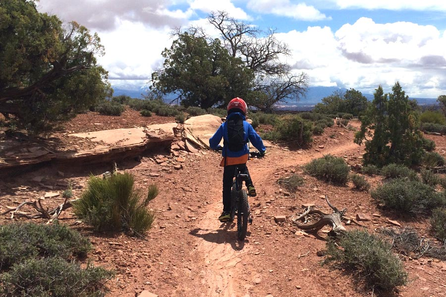 Great Pyramid Loop - beginner mountain bike trail in Moab