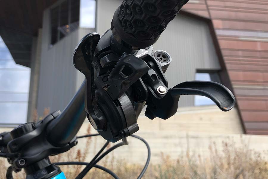 Shimano XT brake lever and shifter, Pivot Mach 6 carbon