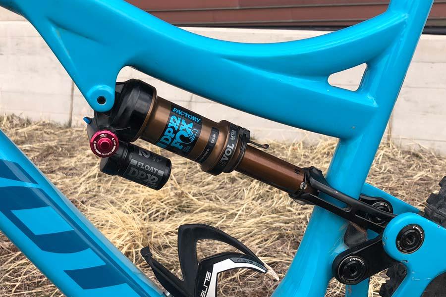 Pivot Mach 6 Carbon Complete Mountain Bike Review