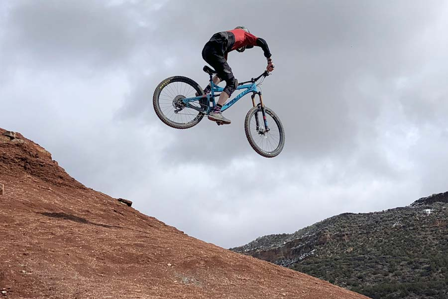 Rampage site jump on the Pivot Mach 6