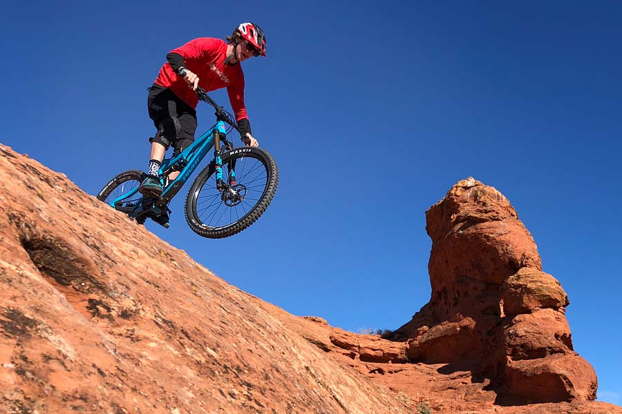 Pivot Mach 6 carbon bike review - mtb kid