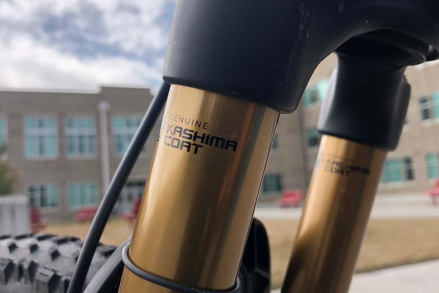 Kashima coated fork on Pivot LES 27.5