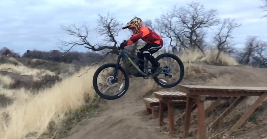 Making quick work of a drop on the Norco Fluid FS 1 24