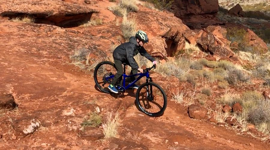 Trailcraft Timber 26 review - descending on rocks