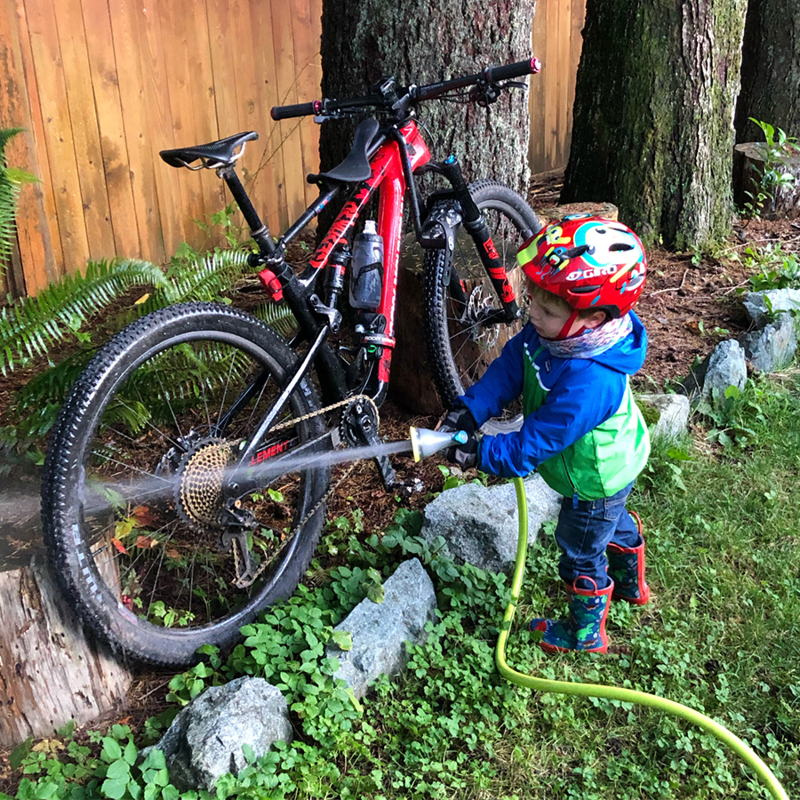 Keeping mom's Rocky Mountain Element clean and ready to ride
