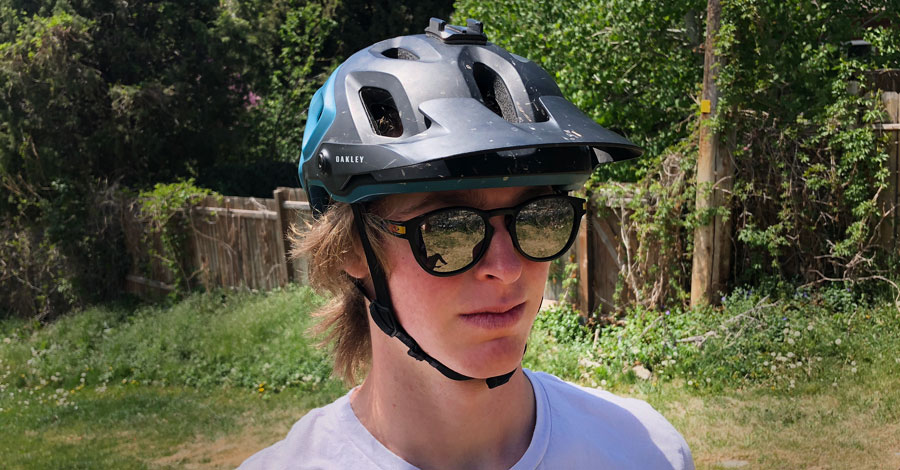 Oakley DRT5 Helmet Review - Featured Photo