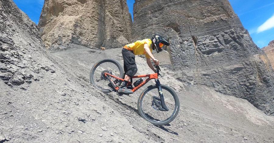 Kris Baughman shreds his Santa Cruz Nomad