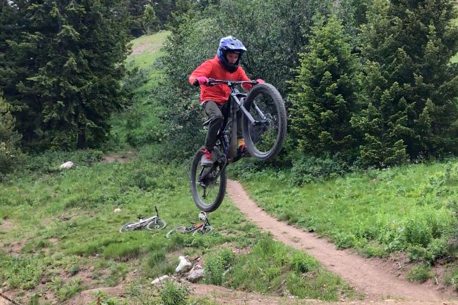 Sending a table jump at Teton Pass