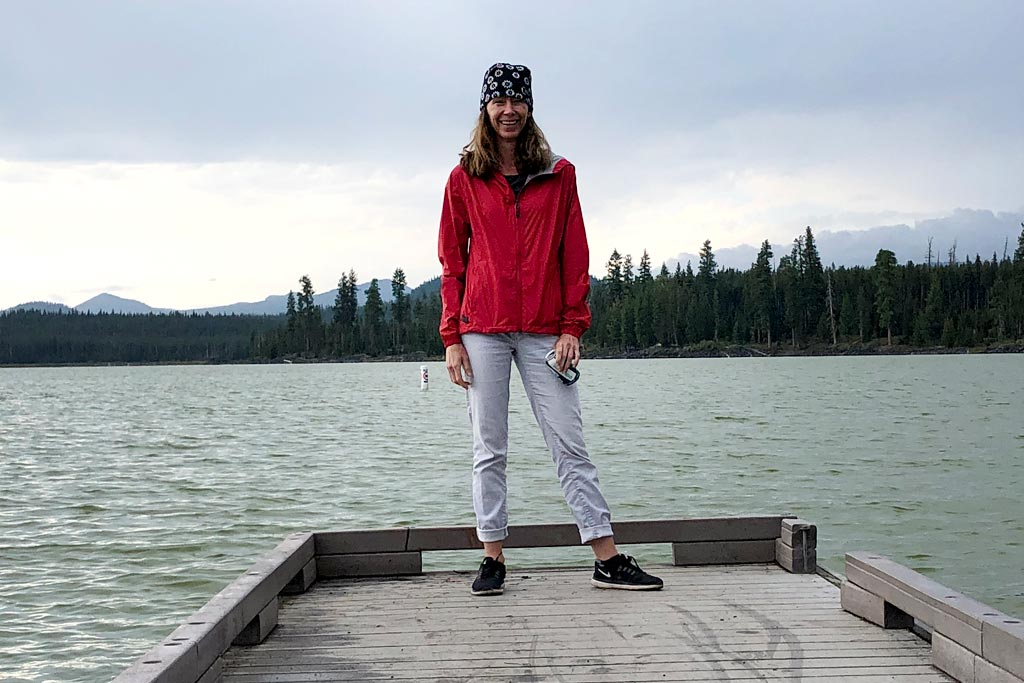 Bontrager Avert Women's Rain Jacket Review - featured image